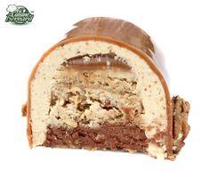 La Bûche Noix Caramel et Chocolat. Fantastic recipe (in French) for this… Easy Vanilla Cake Recipe, Easy Cake Recipes, Sweet Recipes, French Recipes, Köstliche Desserts, Chocolate Desserts, Delicious Desserts, Macaron Pistache, Jelly Roll Cake