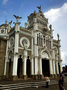 Basílica de Nuestra Señora de los Ángeles (Basilica of Our Lady of the Angels) in Costa Rica.