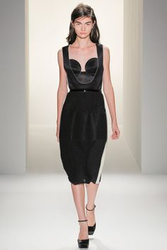 Calvin Klein Collection    Antonina Vasylchenko  Photo:  Monica Feudi/feudiguaineri.com