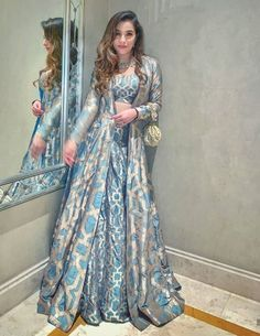 Pernia Qureshi's Wedding Outfits + What Her Famous Guests Wore To The Wedding - Wedding Outfit Pakistani Dresses Casual, Indian Fashion Dresses, Indian Bridal Outfits, Indian Gowns Dresses, Pakistani Bridal Dresses, Dress Indian Style, Pakistani Dress Design, Indian Designer Outfits, Bridal Anarkali Suits