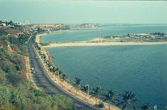 Praia do Sol. http://www.prof2000.pt/users/secjeste/arkidigi/Luanda70_20.htm