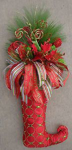 NEW WINTER WHIMSICAL CHRISTMAS STOCKING ARRANGEMENT DOOR WREATH DECOR RIBBON BOW