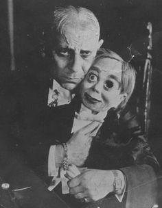 creepy-vintage-photos-Missing-Eye-ventriloquist-dummy