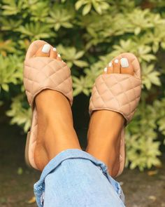 Slip On Sandals Outfit, Nude Sandals, Soft Slippers, Cute Slippers, Leather Slippers, Fashion Slippers, Fashion Shoes, Cute Flip Flops, Slipper Sandals