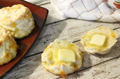 Garlic Cheddar Biscuits - Sweet and Spicy Monkey