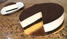 Sabemos que te encantan los postres con galletas Oreo, así que esta tarta seguro que te enamora