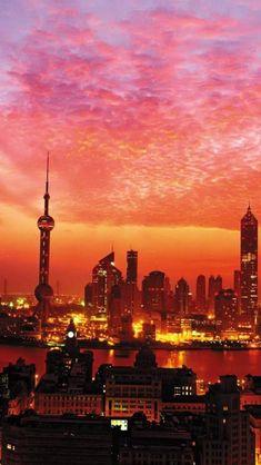 #Atardecer de impacto con el #skyline de #Shanghai, #China #OneTwoTrip