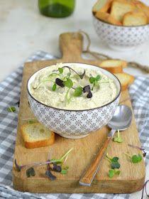 Paté de aceitunas verdes | Cuuking! Recetas de cocina Tapenade, Foie Gras, Canapes, Finger Foods, Camembert Cheese, Tapas, Vegetarian Recipes, Brunch, Appetizers