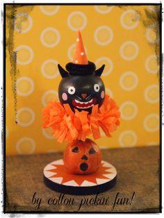 Folk Art Scaredy Halloween Cat Vintage Inspired by cottonpickinfun