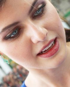 Alexandra Daddario: erotismo, belleza, ojos de muñeca