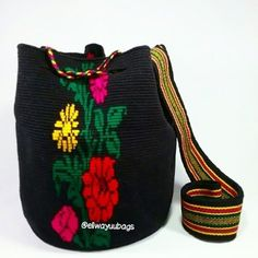 #Mochila #wayuu #Eliwayuubags #arte #tradicion & #color #wayuubags #magia #gift #love #trends #ethnic #craft #instagram #etsy #instamode #fashion #adiction #Colombia #China Info:  Whatsapp +57 3006388348