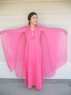 Hey, I found this really awesome Etsy listing at https://www.etsy.com/listing/184557144/vintage-amazing-angel-sleeve-maxi-dress
