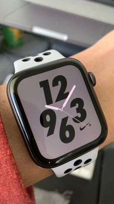 Apple Watch Nike+ Series 4 (GPS, - Space Grey Aluminium Case with Anthracite/Black Nike Sport Band Buy Apple Watch, Apple Watch Nike, Apple Watch Faces, Apple Watch Series 2, Apple Watch Wallpaper, Iphone Wallpaper, Mode Kawaii, Iphone Watch, Iphone Price