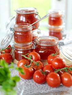 Tomatmarmelad recept | Allas Recept Chutney, Diet Recipes, Snack Recipes, Homemade Sweets, Smoothie, Tomato Garden, Recipe For Mom, Afternoon Tea, Food Hacks