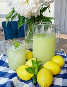 mint drink Lemonade infused with fresh mint leaves, refreshing and thirst quenching drink Lemonade Cocktail, Cocktail Drinks, Cocktail Recipes, Martini Recipes, Craft Cocktails, Paleo Vegan, Yummy Drinks, Healthy Drinks, Detox Drinks