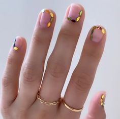 Best Nails Art A nail art picture collection with many pictures of perfect manicure ideas by professional nail technicians and DIY Nail designs, ideas, and images for the Best Nail Designs for Everything you … Maroon Nails Burgundy, Burgendy Nails, Oxblood Nails, Magenta Nails, Mauve Nails, Rose Gold Nails, Neutral Nails, Green Nails, Nails Turquoise