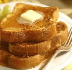 It's always fun to find a new Easy French Toast Recipe. Just throwing a piece of bread in a bowl of raw eggs isn't very exciting. So I am going to give you a differen easy french toast recipe to surprise your family with tomorrow. What's For Breakfast, Breakfast Items, Breakfast Dishes, Breakfast Recipes, Breakfast Burritos, Make French Toast, Cinnamon French Toast, Brunch Recipes, I Foods