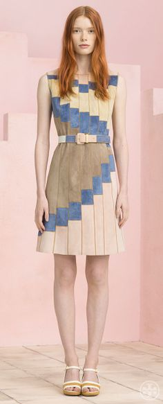 Tory Burch Resort 2015 - how wd something like this look for me? i'd prefer an obi-style belt in the fawn color, a longer length, and an jacket to wear over it. but I like the color combos, the movement of color and the color emphasizing shoulder width. Couture Fashion, Fashion Show, Fashion Design, Fashion 2014, Casual Dresses, Fashion Dresses, Patchwork Dress, Resort 2015, Swagg