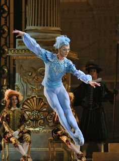 Tchaikovsky's The Sleeping Beauty is evocatively brought to life by the Bolshoi Ballet as they return to London's Royal Opera House. Ballerina Costume, Ballet Costumes, Dance Costumes, Male Ballet Dancers, Ballet Boys, Bolshoi Theatre, Bolshoi Ballet, Russian Ballet, Ballet Photography