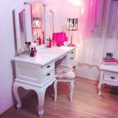 ♔ Vanity Tables