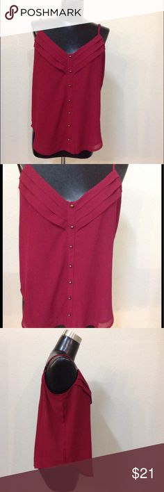 Women's M Deep red The Limited blouse Beautiful color!! Spaghetti strap. Fake buttons down the front. Elegant blouse! In good condition!! (WT179) ❤️👑💋🔥✨ The Limited Tops