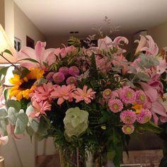 #InstagramELE #serie  Para mi cumpleaños mi suegra me regaló este ramo fuera de serie. Flores de @laiaclaramunttallerfloral  #sp101f16