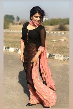 Jeorjet design Pakistani Dress Design, Pakistani Dresses, Indian Dresses, Indian Outfits, Salwar Designs, Blouse Designs, Designer Party Wear Dresses, Sleeves Designs For Dresses, Indian Designer Suits