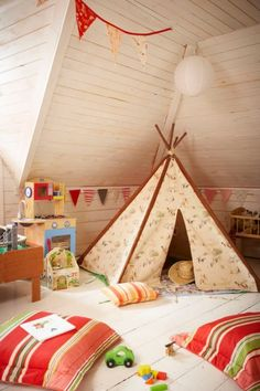Love the playroom teepee. I grew up building forts out of blankets, so a playroom teepee seems necessary. Deco Kids, Kids Decor, Home Decor, Deco Design, Design Design, Baby Kind, Nursery Design, Playroom Design, Attic Design