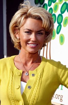 Thirty Ideal Brief Curly Hairstyles 2013 – 2014 Gorgeous Short Loose Curls  Read more http://www.heygirl.net/women-hairstyles/thirty-ideal-brief-curly-hairstyles-2013-2014/