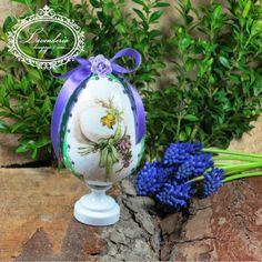 "Lavenderia - decoupage i inne: Wielkanocne ""Jajeczko z różyczką"" Garden Sculpture, Milan, Decoupage, Easter, Bird, Outdoor Decor, Home Decor, Decoration Home, Room Decor"