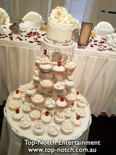 wedding cakes croydon victoria a fantastically decorated disney themed wedding cake at 24127