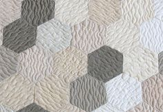 Just simple, wavy quilting lines, stitched in different directions on the adjacent hexagons. Together in a Friendship World, Geta's Quilting Studio. By Geta Grama from Brasov, Romania.