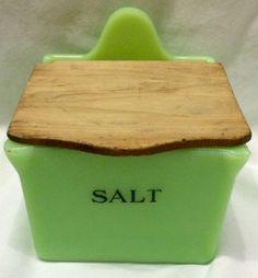 RARE-Jeannette-Jadite-Salt-Box-with-Wood-Lid-Very-HARD-TO-FIND