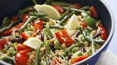 Bunte Reispfanne mit Paprika und grünen Bohnen Eat Smarter, Kung Pao Chicken, Cobb Salad, Rice, Ethnic Recipes, Food, Winter, Recipes With Rice, Rice Dishes