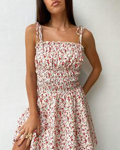 Pretty Dresses, Beautiful Dresses, Beautiful Sky, Cute Casual Outfits, Casual Dresses, Picnic Outfits, Pink Floral Dress, Spring Dresses, Preemies