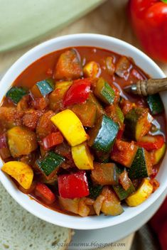 wegetariańskie leczo z cukinią Ratatouille, Sweet Potato, Catering, Main Dishes, Salsa, Food And Drink, Vegetarian, Vegetables, Cooking