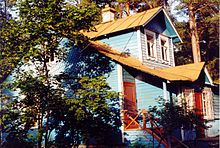 Dacha - Wikipedia, the free encyclopedia