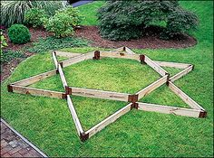 Multi-Level Raised Bed Stakes - Lee Valley Tools