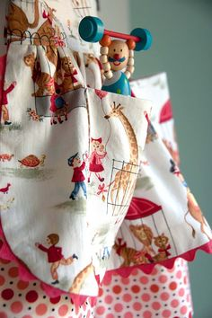 Sewing: Vintage Zoo Dirndl Skirt (Tutorial for a Time...Pattern Always)