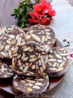 Salam de biscuiti Healthy Chocolate Desserts, Healthy Dessert Recipes, Easy Desserts, Delicious Desserts, Yummy Food, Romania Food, Romanian Desserts, Romanian Recipes, Unique Recipes