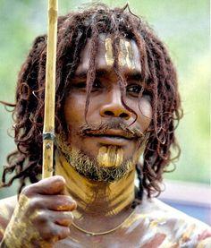 """""""Aqueles que perdem a capacidade de sonhar estão perdidos"""" - sabedoria aborígene  Foto: Homem aborígene australiano por Lillian Okorn"""