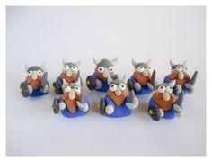 polymer clay chess set   Chess pieces :: Peças de Xadrez   Little Creatures