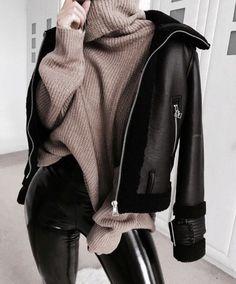 1 chemise, 5 looks mode rebelles. Winter Fashion Outfits, Fall Winter Outfits, Look Fashion, Trendy Outfits, Autumn Fashion, Fashion Bags, Cold Winter Fashion, Winter Outfits For Teen Girls Cold, Fashion Women