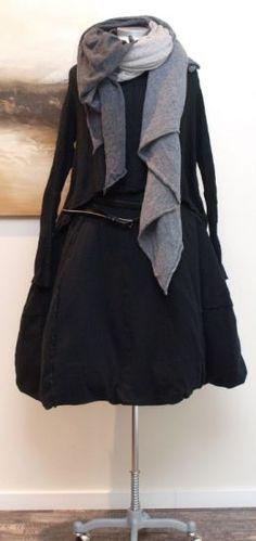 stilecht - mode für frauen mit format... - rundholz - Pullover A-Linie Cashmere schwarz - Winter 2013