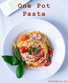 In less than 30 minutes you can have our one pot pasta on the table. Healthy and delicious and only one pan to clean! Easy To Make Dinners, Dinner Recipes Easy Quick, Quick Easy Meals, Nutritious Meals, Healthy Snacks, Healthy Recipes, Healthy Breakfasts, Protein Snacks, High Protein