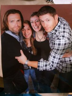 Michelle Roy photo op with Jensen and Jared - Torcon 2014