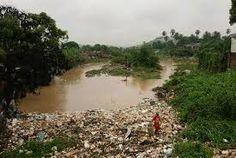 Resultado de imagem para foto de rio morto
