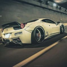 Ferrari Liberty Walk 458