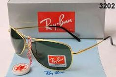 Vintage Ray Ban Sunglasses. Bausch and Lomb Ambermatic Yellow Aviators 62mm