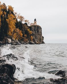 road trip stop: Split Rock Lighthouse in Silver Bay, Minnesota.north shore of Lake Superior. Places To Travel, Places To See, The Places Youll Go, Landscape Photography, Nature Photography, Travel Photography, San Myshuno, Split Rock Lighthouse, Beautiful Places